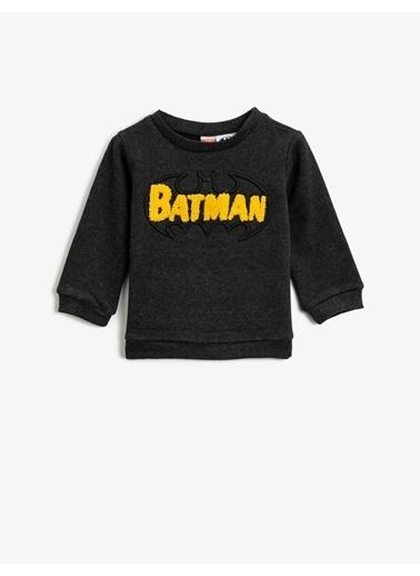 Koton Batman Lisansli Islemeli Bisiklet Yaka Uzun Kollu Sweatshirt Gri